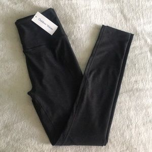 Outdoor Voices hi-rise warmup 7/8 legging charcoal